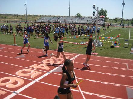 SacTown Races (2012), Girls 4X400, Section 1